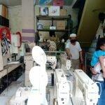 Terdampak Covid-19, Penjualan Toko Mesin Jahit Turun 50 Persen di Cianjur